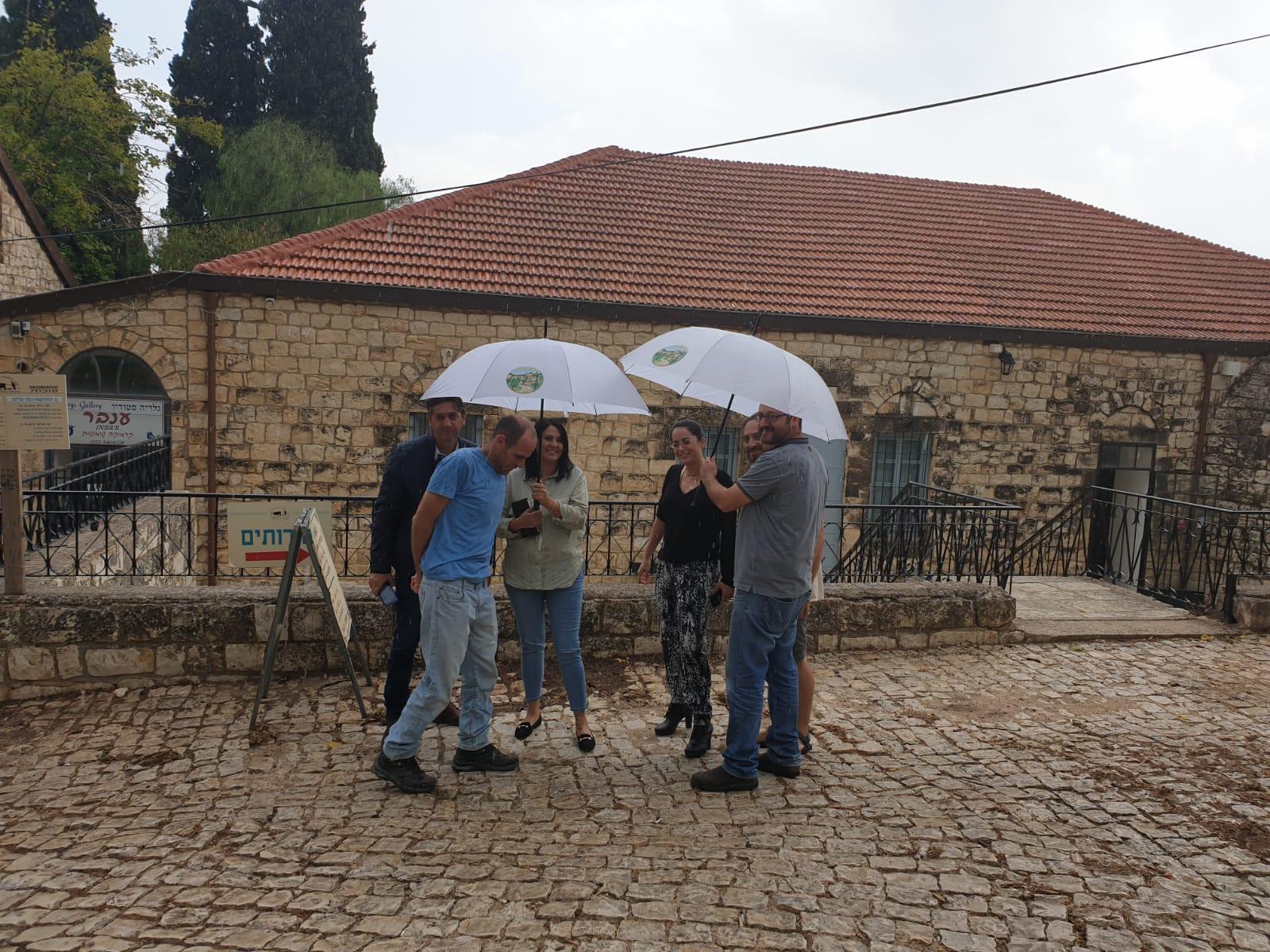 צוות משרד התיירות בסדנה בראש פנה